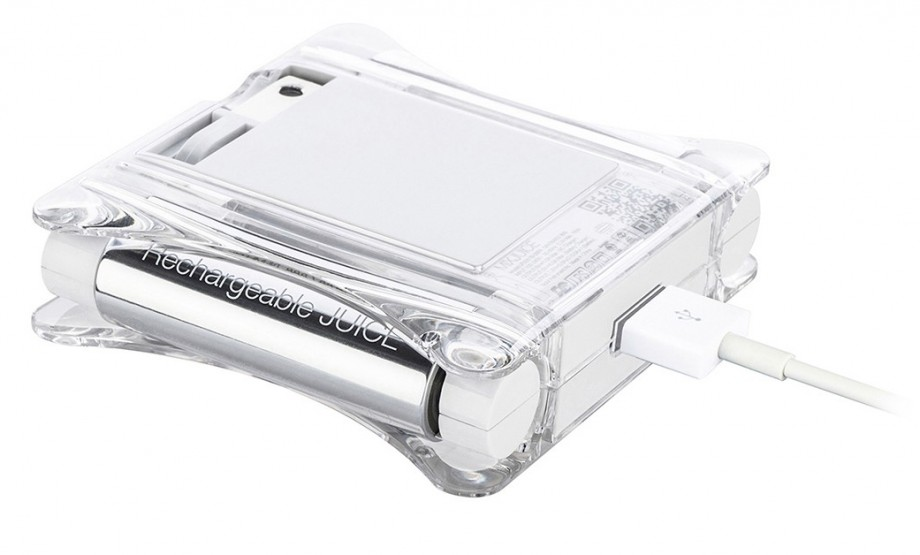 iPhoneも電池もコンセントから充電できるモバイルバッテリー-ACプラグ側画像