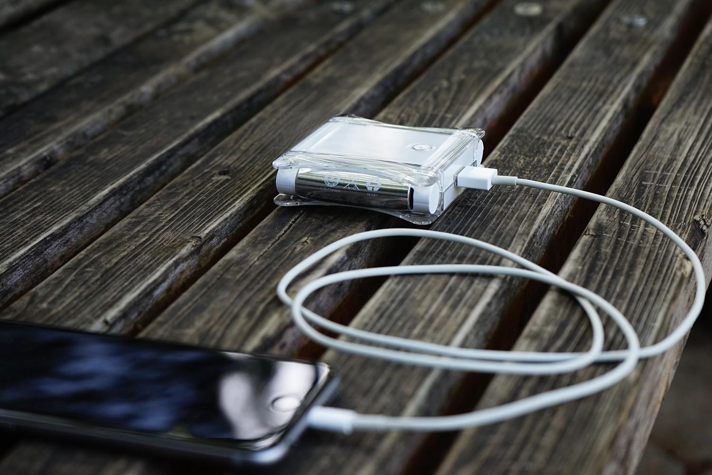ACアダプター付電池式モバイルバッテリー